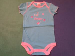 NEW: Baby Bodysuits, Clothes, Bibs, Diaper Bag for sale Cambridge Kitchener Area image 3