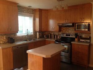 armoire ilot de cuisine acheter et vendre dans ville de qu bec petites annonces class es de. Black Bedroom Furniture Sets. Home Design Ideas