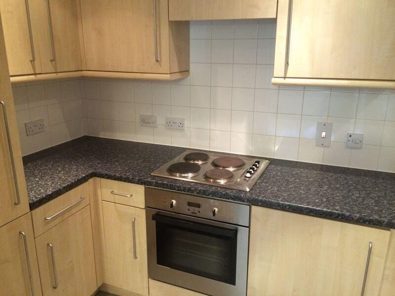 Spacious well presented two bedroom flat in Chadwell Heath Dss accepted with guarantor