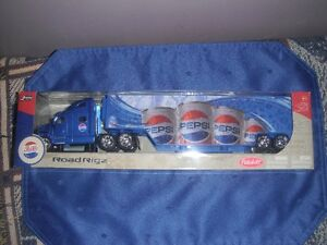 "Die Cast - Pepsi-Cola Peterbilt Transport ""Road Rigs"""