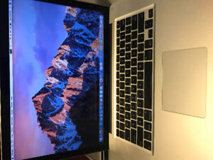 MacBook Pro 15 Inch, 8GB RAM, New Battery, 500GB Storage