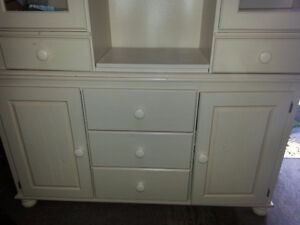 China Hutch for sale Cornwall Ontario image 3