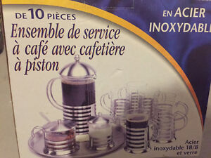 Ensemble a cafe avec cafetiere en piston