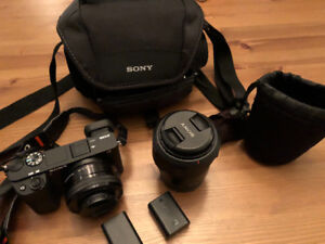 Sony A6300 + Zeiss lens 16-70  + extras ( like new)