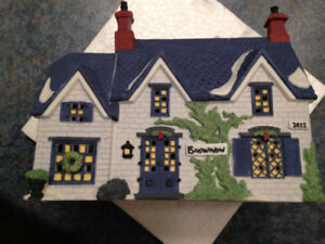 DEPARTMENT 56 - OLIVER TWIST - BROWNLOW HOUSE #55530