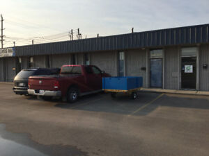 WAREHOUSE / OFFICE SPACE FOR RENT 2500 SF NORTH EDMONTON