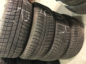 Selling Michelin x-Ice 195/65R15 (5 volt pattern) with rims