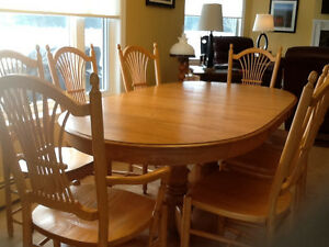 Beautiful Oak table and 10 chairs