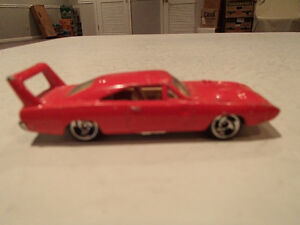 LOOSE Hot Wheels '70 Dodge Daytona Red 1995 1:64 scale diecast c Sarnia Sarnia Area image 2