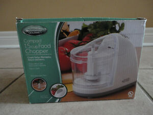 Brand new in box 1.5 cup food chopper kitchen accessory