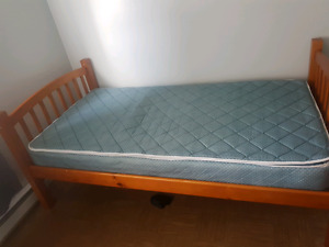 Beautiful  Twin bed for sale
