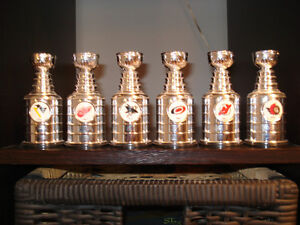 COMPLETE SET OF 30 LABATTS BLUE MINI STANLEY CUPS YEAR 2000