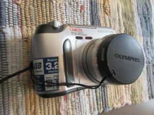 CAMERA - Olympus C-730 Ultra Zoom for sale.