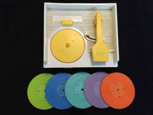 VINTAGE (1971) FISHER PRICE RECORD PLAYER-MUSIC BOX - WORKS!