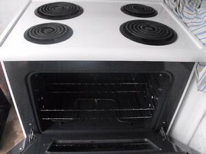 Great working Frigidaire Stove with burners
