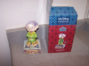 WALT DISNEY SHOWCASE- JIM SHORE - DOPEY FIGURINE
