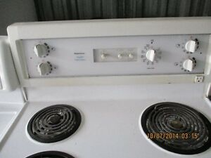 KENMORE ELECTRIC STOVE VERY CLEAN