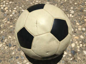 Vinyl rubber soccer balls game used in the 1970's and 1980's