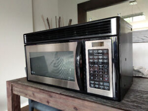 GE OVER THE RANGE MICROWAVE OVEN - STAINLESS STEEL
