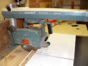 "Radial Arm Saw 9"" Dewalt Black and Decker"
