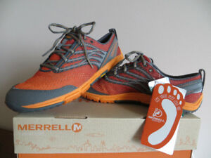 Merrell Women's Light Weight Low w Vibram Sz9 New in Box