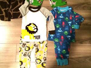 Boys pajamas lot 2T EUC Carters
