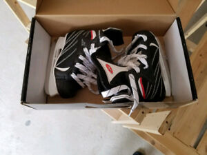 Kids Ice Skates - size Y12 - Mint condition