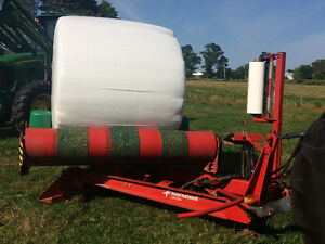 Kverneland UN7556 Round Bale Wrapper in BEAUTIFUL condition