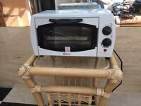 GREAT CONDITION MINI OVEN/GRILL WORK TOP COOKER, CARAVAN. MAINS POWERED ELECTRIC