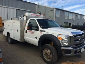 Ford F550 Service Truck - Low Kms