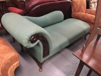 CHAISE LONGUE WITH QUEEN ANNE LEGS