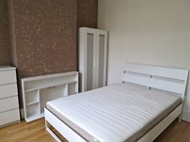 3 Lovely Double Rooms in Lewisham (Zone 2)