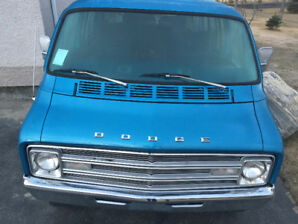 1976 DODGE WINDOW VAN B300