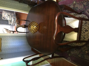 Dinning room table ( with insert) & 4 chairs