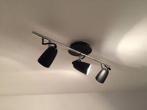 Rail d'éclairage à 3 lampes directionnelles