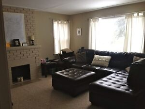 2 BEDROOM MAIN FLOOR NEAR UofA-Whyte ave UTILITIES INCLUDED