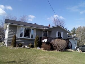Adorable clean house for rent in Lisle