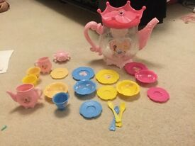 Disney princess tea pot set