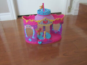 My Little Pony Carousel Boutique and Twinkling Hot Air Balloon