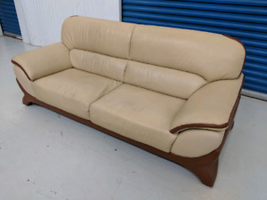 Beige   Genuine    Leather  Loveseat.    Free Delivery in GTA.