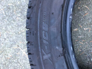 Like New - Set of 4 Michelin X-Ice Xi3 Snow Tires