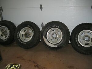 2-32x11.50R15LT tires and 4 rims for sale