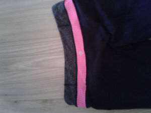 Lululemon tall flare yoga pants. Size 8-10.