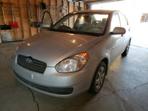 2011 Hyundai accent LOW KMS