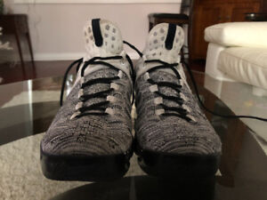 Kevin Durant KD 9 Men's Size 11 Basketball Shoes