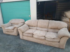Big Comfy Couch Set **Delivery Included
