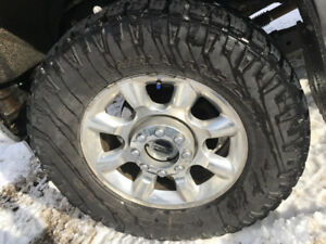 35x12.5 goodyear duratracs w/rims