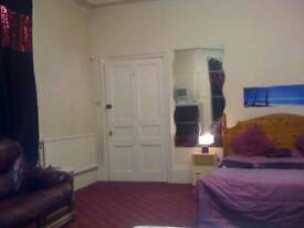To let Bolton Town single & double triple size room rent student or professional