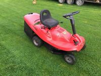 Mountfield 26 inch Briggs and Stratton ride on mower.