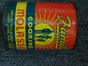 CROSBY'S FAMILY MOLASSES TIN 1 POUND 10 OZS